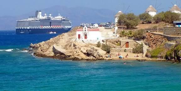 small-beach-agios-haralambos-mykonos